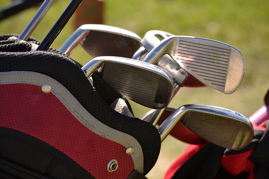6 Things You Need To Have In Your Golf Bag