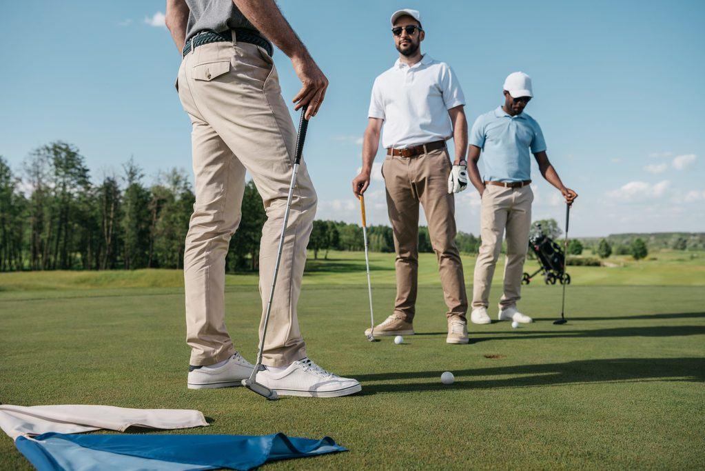 golfers talking